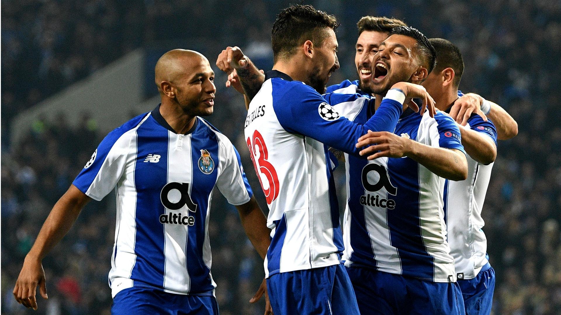 Игроки Порту в матче ЛЧ